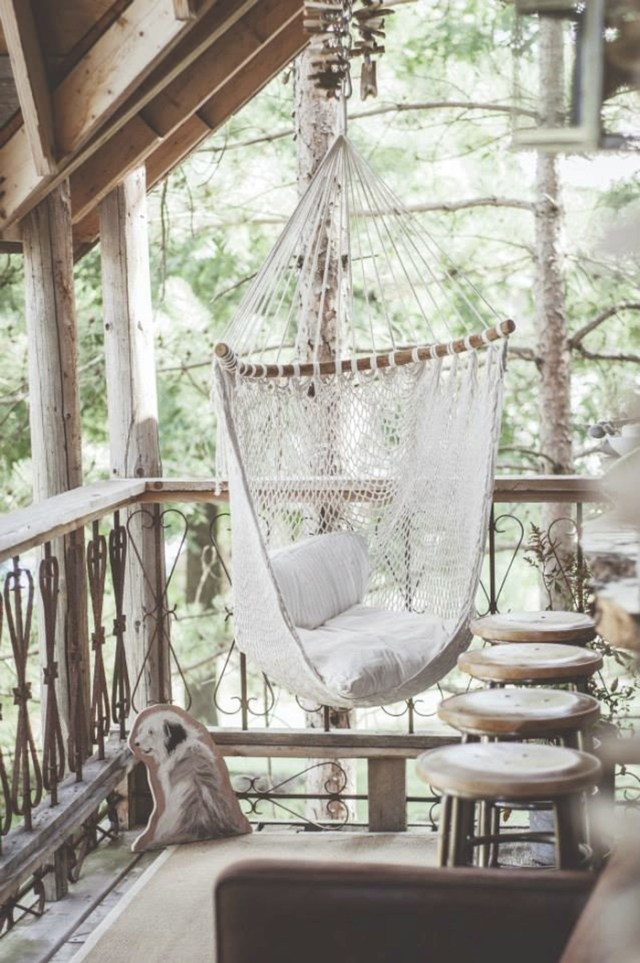 GET A ROOM: Lynne Knowlton's Treehouse