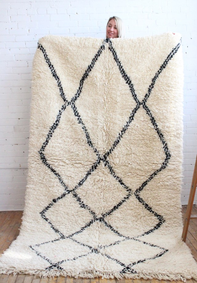 beni-ourain-rug-black-white-moroccan-carpet-wool-1