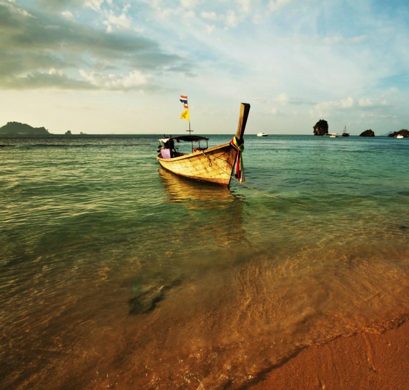 shutterstock_vietnamese_boat