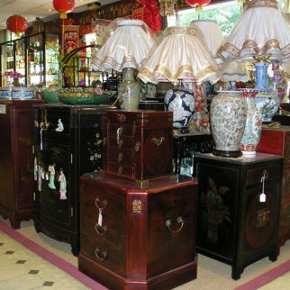 Photo magasin avec des meubles chinois