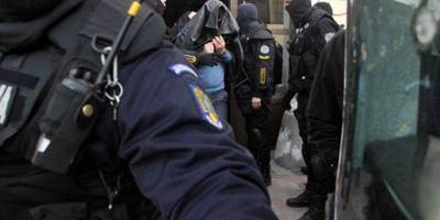 politisti-arestati