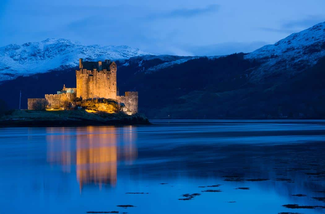 Eilan Donan Castle, medieval fortress in Scotland (I know I have this one in here twice, but it is my favorite.) Click through to see 28 mind blowing photos of Scotland!