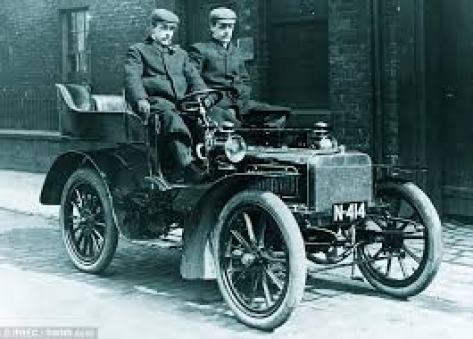 The two-cylinder Royce 10 - Born 1904