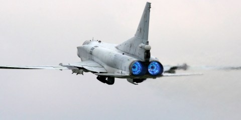 bombardieri strategici russi attaccano in Siria
