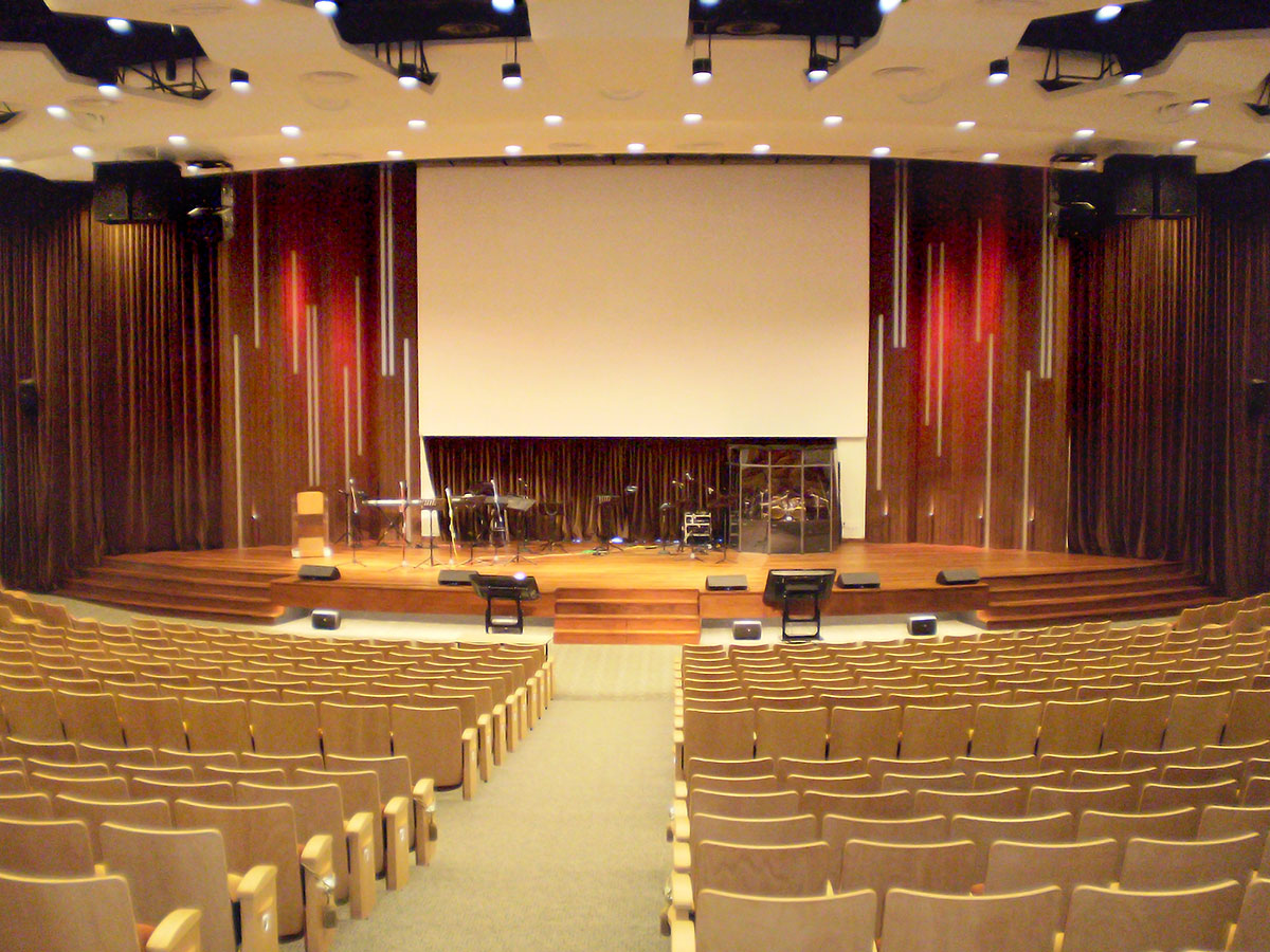 Church Sanctuary Modern Interior Design Ideas 117 2 Avioms Pro16 Helps  Provide Versatility And Lower Stage