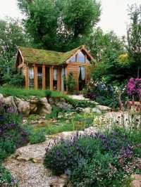 Green Roof Garden House  Exterior in Green | Interior ...