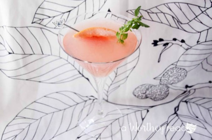 Blend Gin and Grapefruit into a fruity martini cocktail idea- Grapefruit Gin Martini