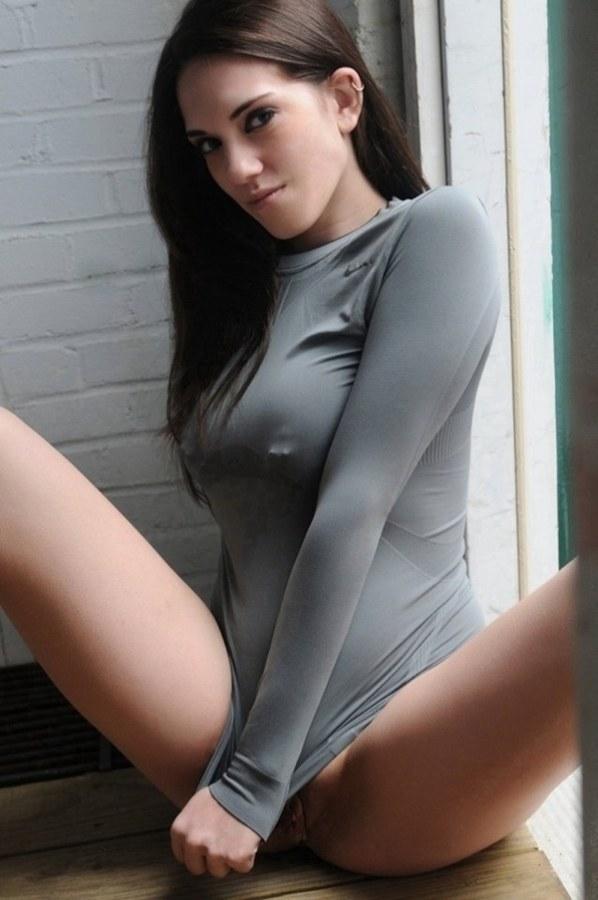 tight sweater no bra