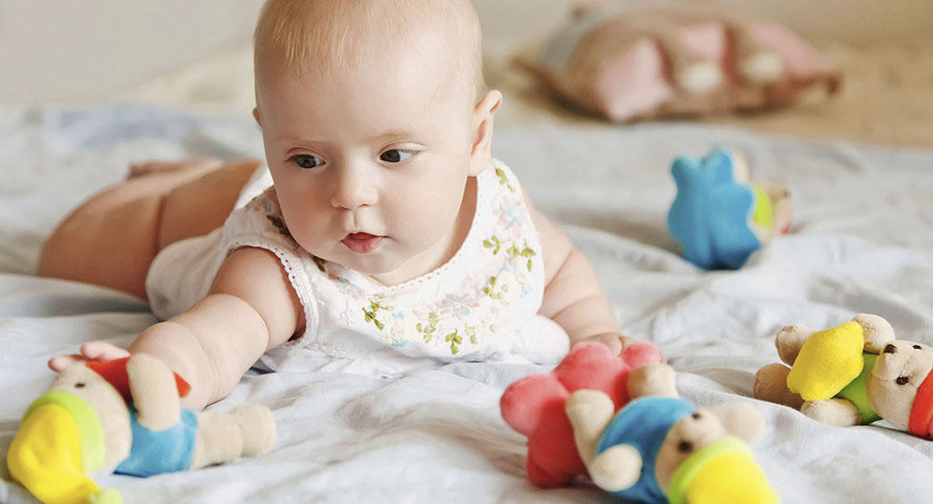 Baby-led baby schedules Sears, Spock, and others BabyCenter - schedules for babies