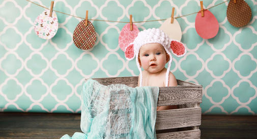 Newborn Baby Girl Wallpaper 18 Tips From Anne Geddes For Taking Great Photos Babycenter