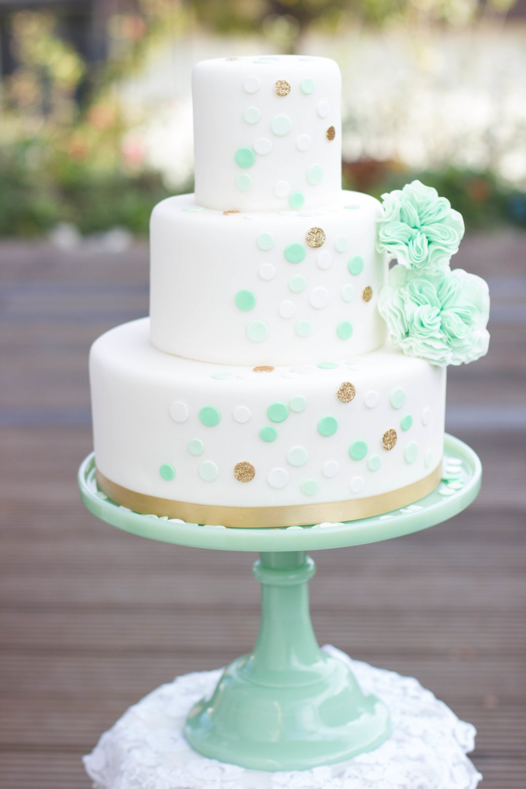 Moderne Hochzeitstorten Pictures to pin on Pinterest