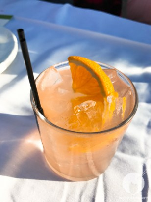 Get this drink! : A Million Reasons - Aria Gin, Cocchi Rosa, Grapefruit liqueur, Yuzu, lemon