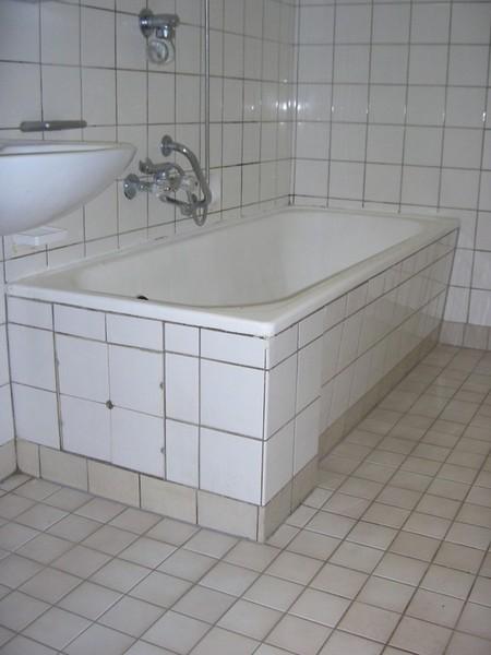 Badezimmer behindertengerecht umbauen, Badewanne auf