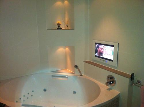 Badezimmer Tv \\u2013 Edgetagsinfo   Badezimmer U Badezimmereinrichtungen  Innsbruck Stadt