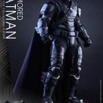 Batman corazzato cromato Hot Toys