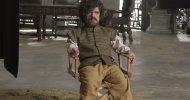 """Game of Thrones: lo sketch del SNL con Peter Dinklage mostra il """"dietro le quinte"""" della serie"""