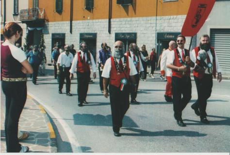 2002 SFILATA