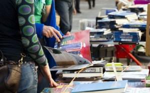 """Gli studenti del Liceo Classico Francesco Scaduto presentano la seconda edizione del """"Mercatino del libro usato"""","""
