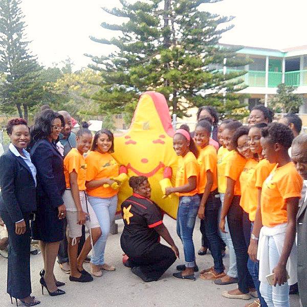 Carl\u0027s Jr partners with BEC JA company to assist school feeding - junior achievement bahamas