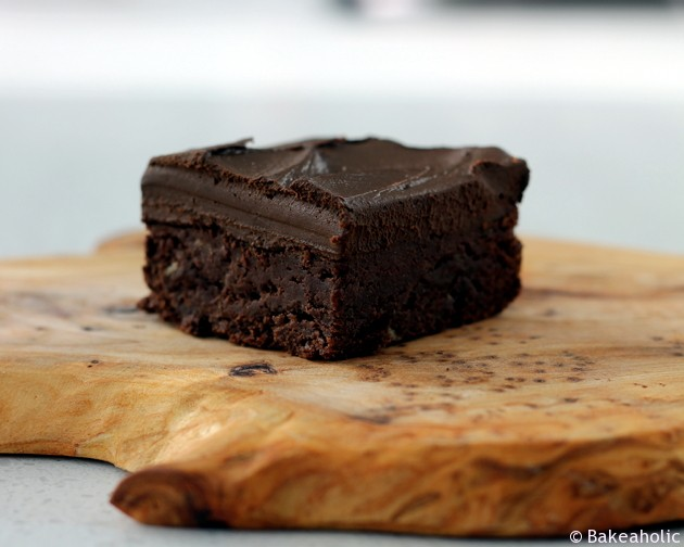Banana Brownies with Chocolate Avocado Ganache //bakeaholic.ca