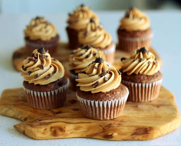 Vegan Chocolate Peanut Butter Cupcakes // bakeaholic.ca