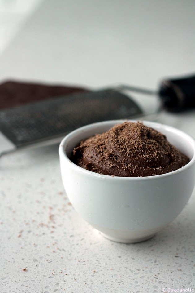 Raw Vegan Chocolate Mousse from www.bakeaholic.ca