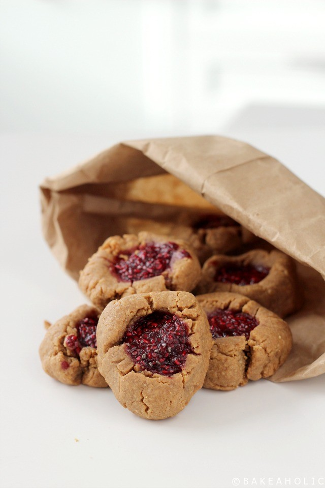 Peanut Butter and Jam Cookies // Bakeaholic.ca