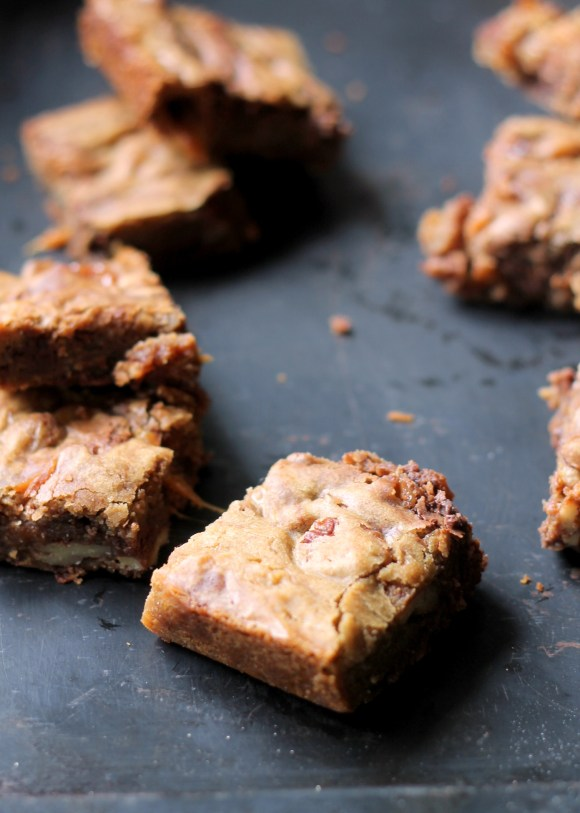 Browned Butter Caramel Pecan Chocolate Chip Blondies ...