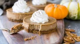 Gluten Free Mini Pumpkin Cheesecakes with Pretzel Crust