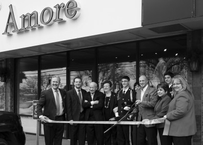 amore-clothing-ribbon-cutting-2-5-16