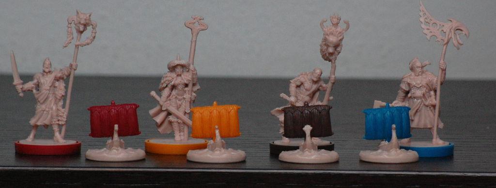 Capi Clan e navi: ogni miniature ha qualche piccola peculiarità che per sono da assimilare e gestire con efficacia.