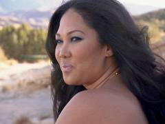 Teaser of Kimora Lee Simmons' Third Season of 'Life In The Fab Lane'