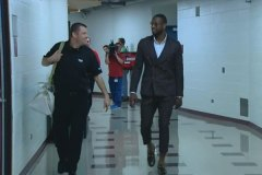 Dwyane Wade's Flood Pants: Fashionable Or A Fashion No-No? (Poll)