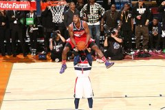 John Wall Leads East To Sprite Slam Dunk Victory