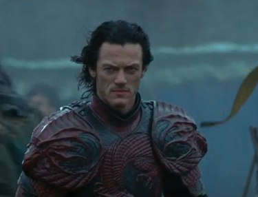 Dracula Untold (Official Trailer)