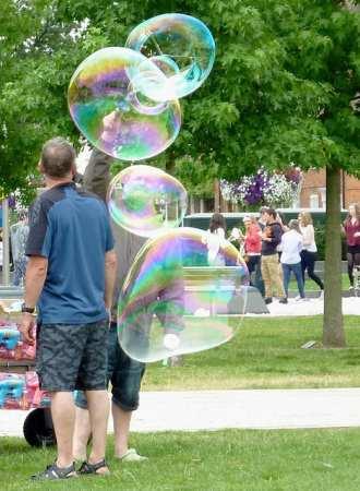 blowbubbles