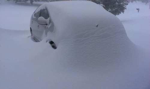 Snowzilla eats a car in Maryland. Photo by Aude.