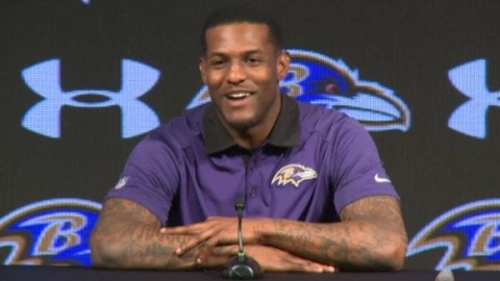 Mike-Wallace-at-presser