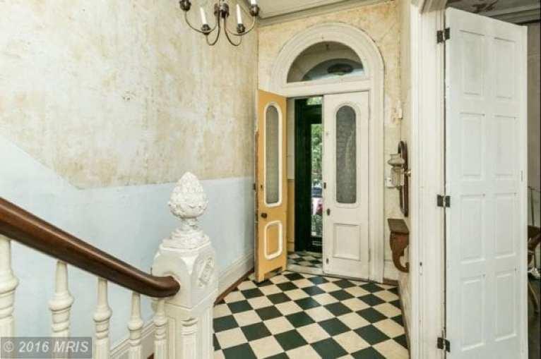 1612:foyer