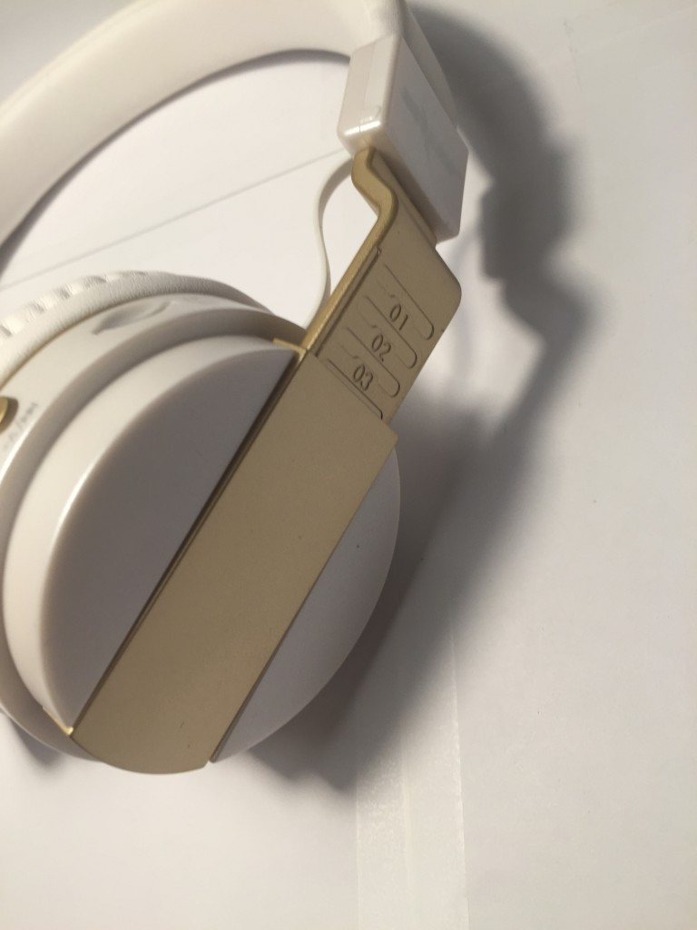 how to play music through bluetooth headset iphone