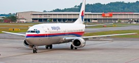 Malaysia Airlines Boeing 737-400 9M-MMD Penang Bayan Lepas Int'l Airport.