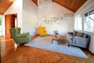 Middle floor living room 1