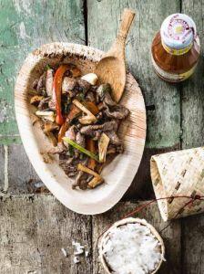 Bœuf sauté à la thaïe, feuilles de basilic, haricots vert thaïs et poivrons