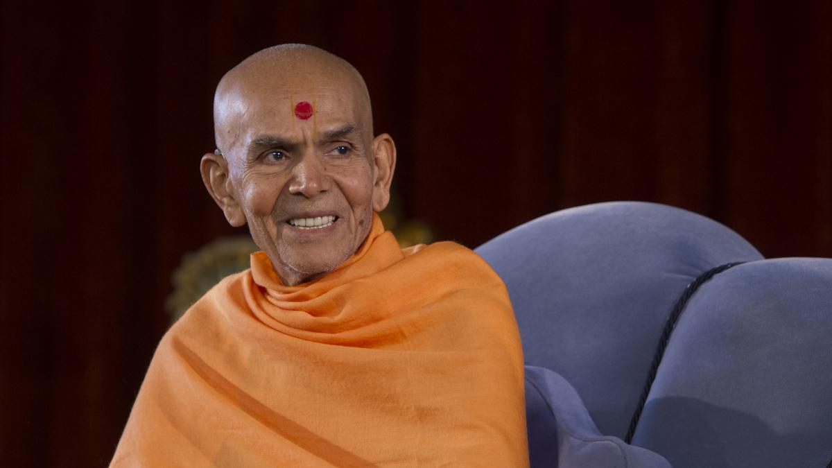 Baps Ghanshyam Maharaj Hd Wallpaper 11 13 January 2017 Hh Mahant Swami Maharaj S Vicharan