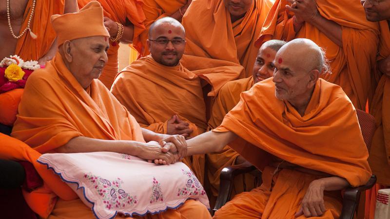 Ghanshyam Maharaj Wallpaper Hd 31 December 2012 Hh Pramukh Swami Maharaj S Vicharan