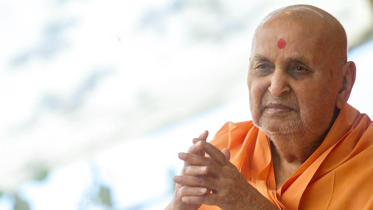 Ghanshyam Maharaj Wallpaper Hd 5 May 2013 Hh Pramukh Swami Maharaj S Vicharan