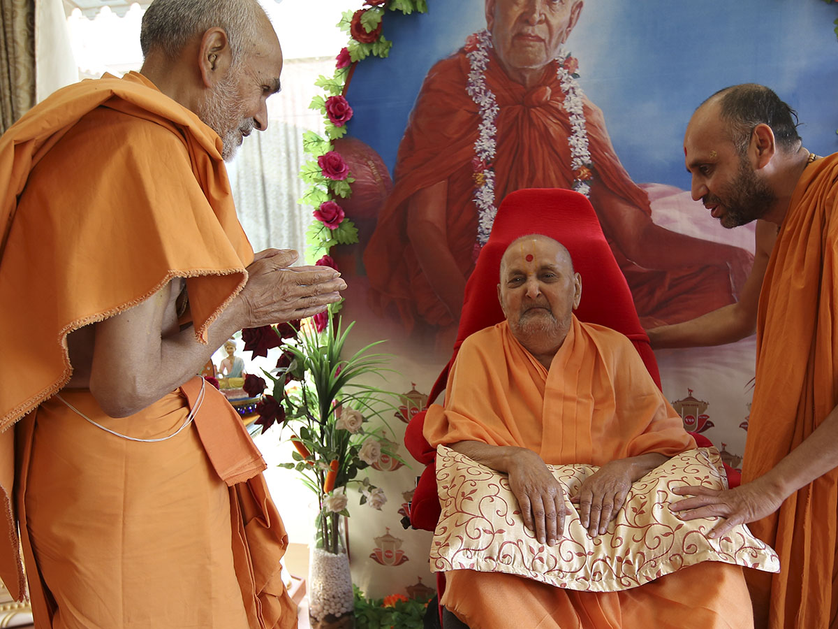Ghanshyam Maharaj Wallpaper Hd 27 January 2015 Hh Pramukh Swami Maharaj S Vicharan