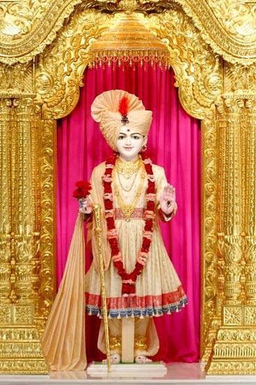 Baps Ghanshyam Maharaj Hd Wallpaper Baps Shri Swaminarayan Mandir Chicago Mandir Information
