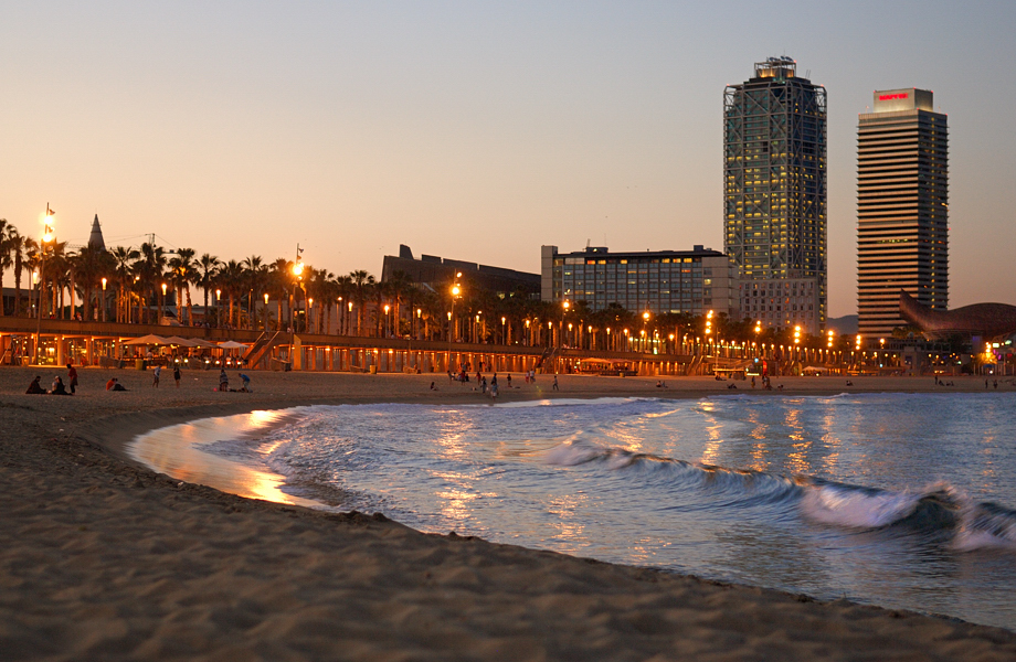 Beach and Waves, Barceloneta