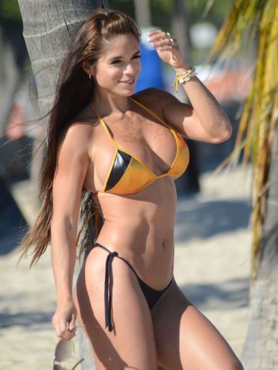 Fit Girls Wallpaper Michelle Lewin Photos Barnorama